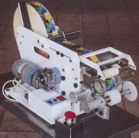 МЭП-160Ц для этикетирования цилиндрических поверхностей с круговой обкаткой. Нажмите для просмотра.